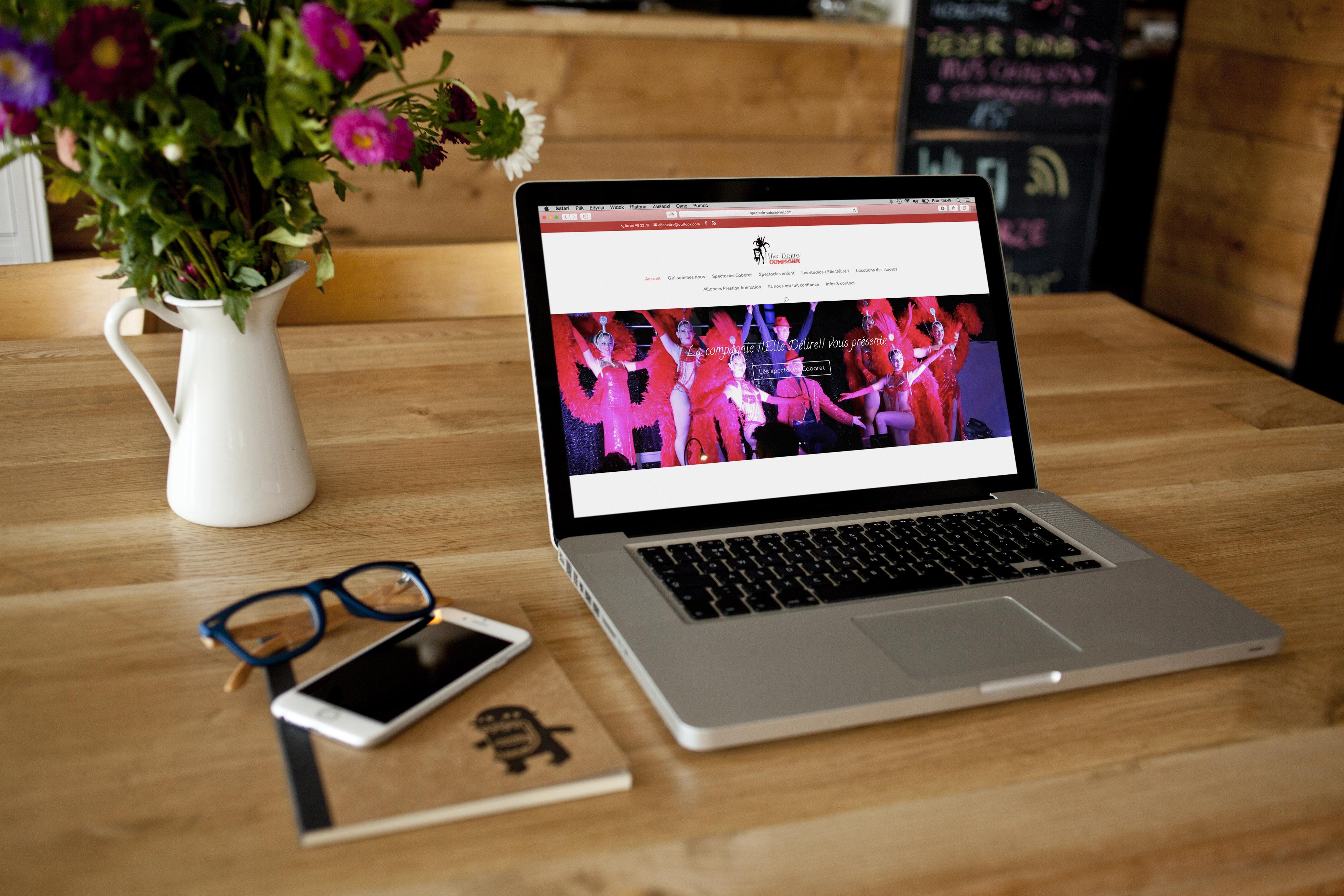 """Création de site internet pour la compagnie de danse """"Elle Délire"""" by one Day design toulon"""
